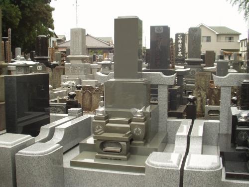 本小松石のお墓